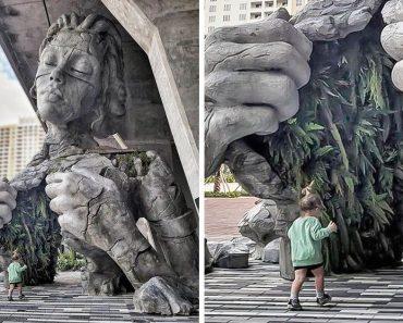 Egy művész olyan szobrokat alkot, amelyek megbénítanak nagyságukkal (14 kép)